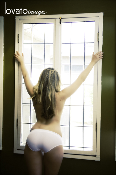 www.lovatoimages.com orange county boudoir photography