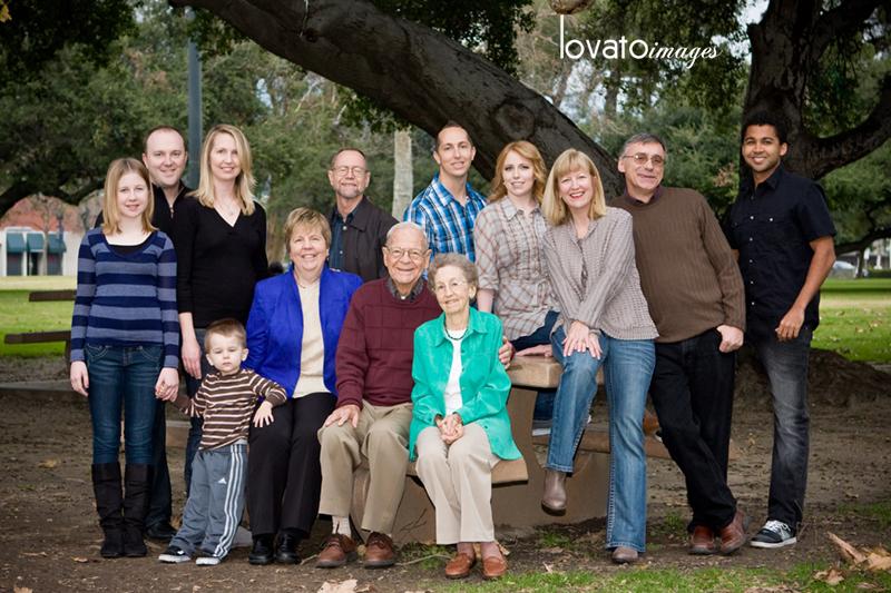 lifestyle family portraits www.lovatoimages.com